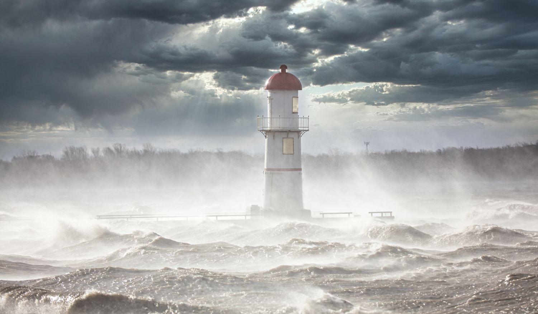 Фотообои «Маяк во время шторма»