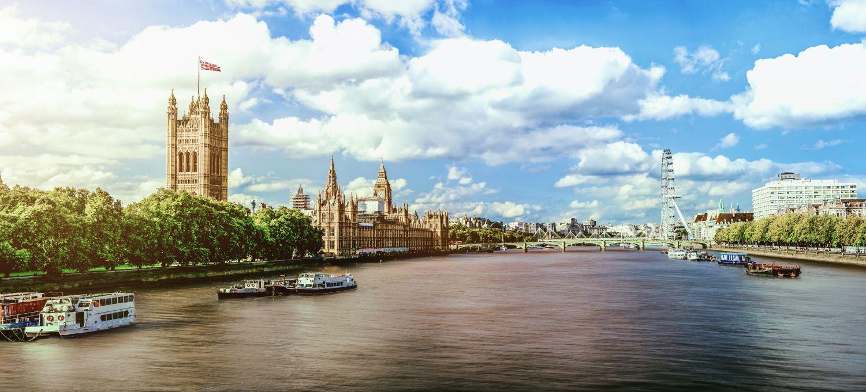 Фотообои «Прекрасный день на берегу реки Темза»