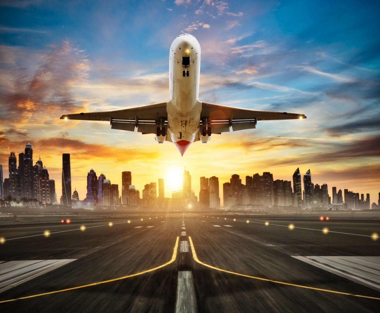 Фотообои «Самолет идет на взлет»