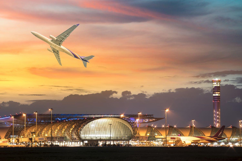 Фотообои «Самолет на закате»