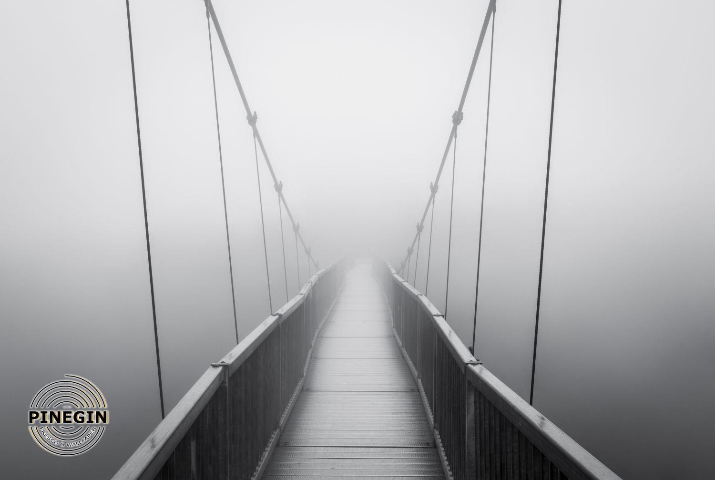 Фотообои «Мост в тумане»