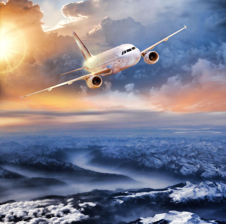 Фотообои «Самолет над горами»