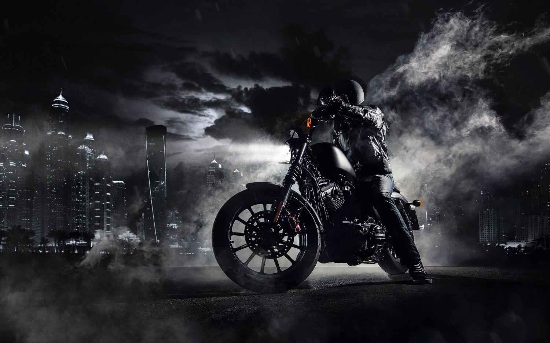 Фрески «Черный мотоциклист»