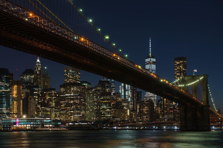 Фрески «Америка ночью»