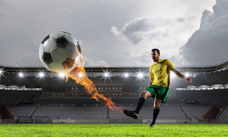 Фотообои «Огненный удар по мячу»
