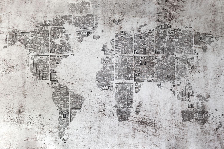 Фотообои «Карта из газет в стиле декупаж»