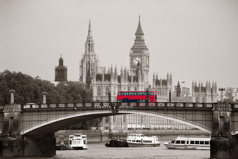 Фотообои «Мост через Темзу, красный автобус»